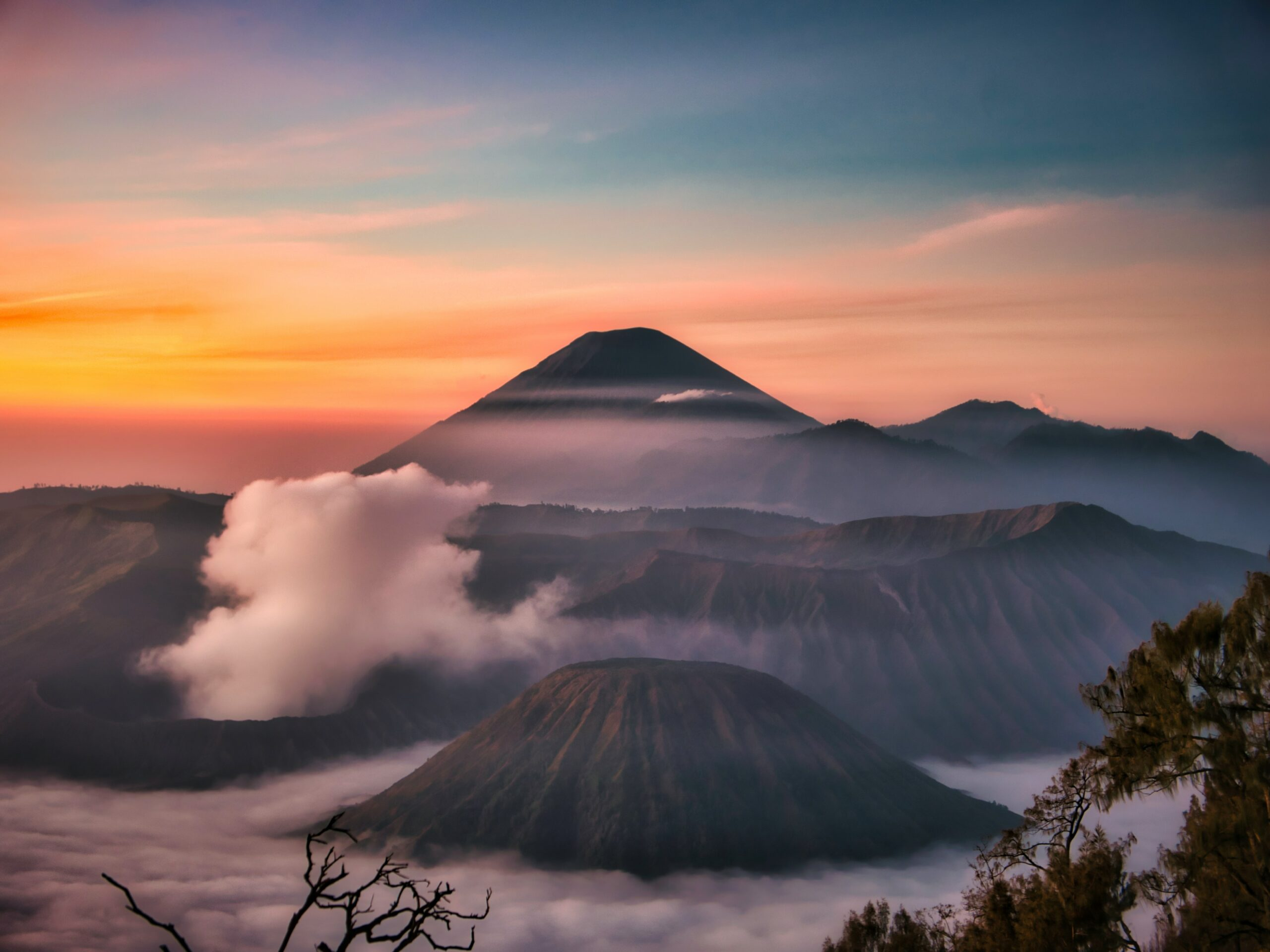 The best Indonesia itinerary must include Mount Bromo.